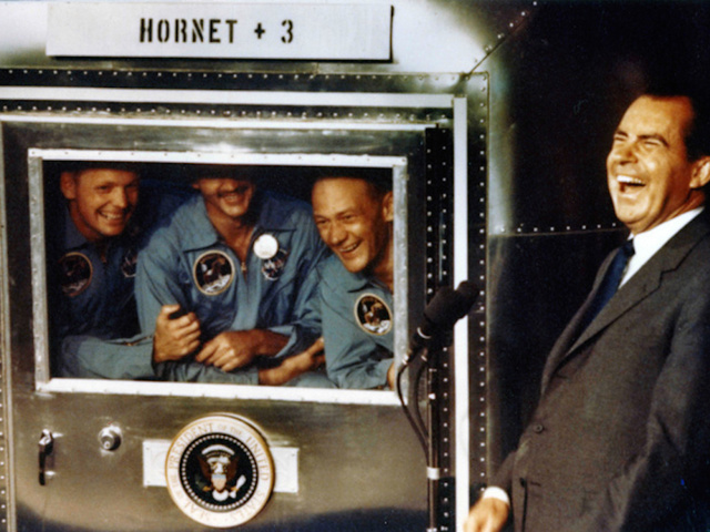 was neil armstrong left handed - photo #5
