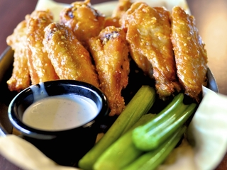 Super Bowl Sunday: Restaurant deals and freebies