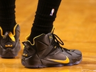 Watch: Beware fake Nike shoe outlets