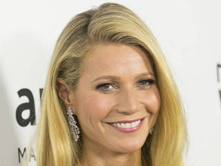 Gwyneth Paltrow and Chris Martin reunite for...
