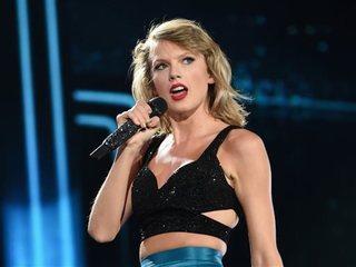 Swift leads iHeartRadio Award nominations