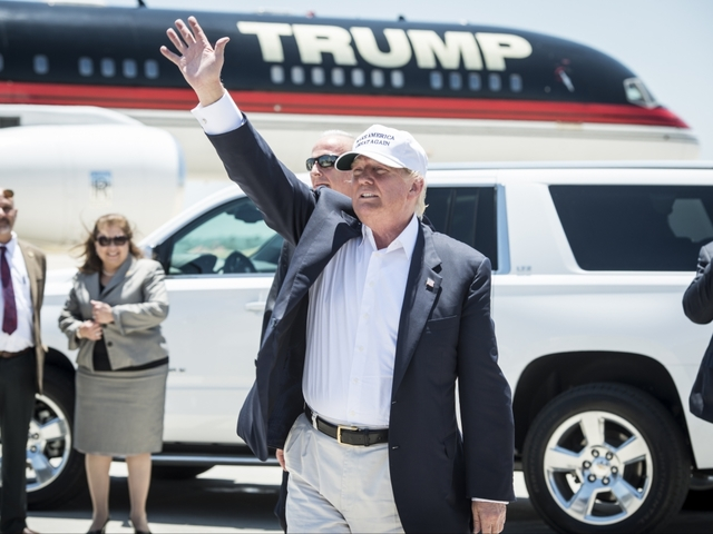 Donald Trump's Jet Has Been Touring The Campaign Trail Unregistered For Months