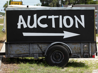 10 ways to avoid getting duped at auctions