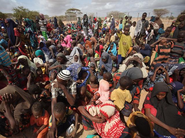 Kenya to close world's biggest refugee camp