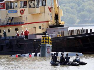 Plane, body recovered in plane crash over Hudson