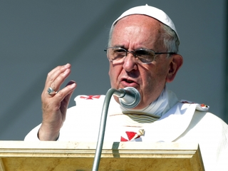 Pope: Gays, others marginalized deserve apology