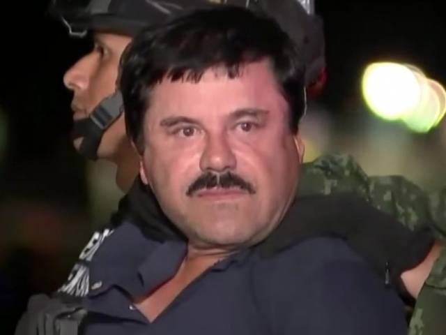 Drug kingpin 'El Chapo' extradited to USA  to face charges