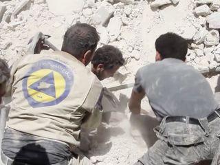 Syrian volunteers have a very dangerous job