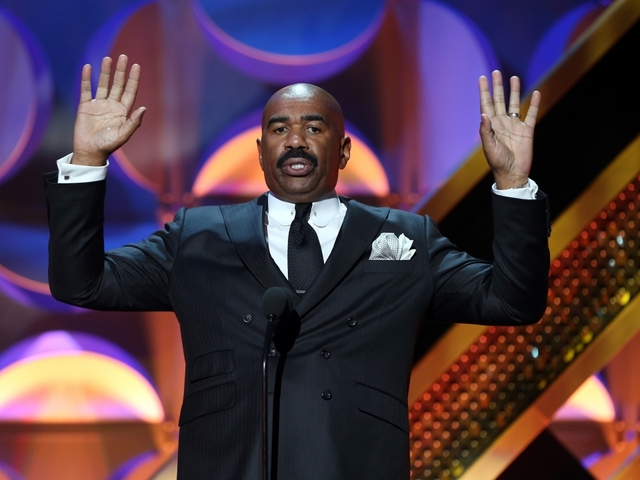 Steve Harvey slays with response to Oscars mix-up
