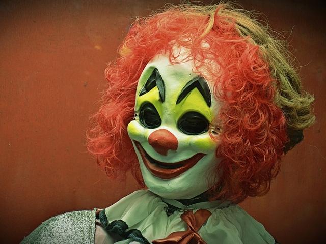 Detectives investigating creepy clown sightings