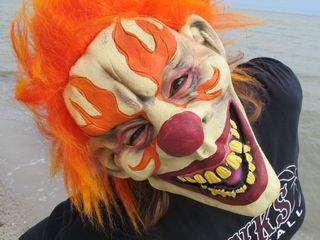 Florida creepy clown encounter prompts warning
