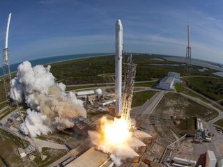 SpaceX launches rocket from NASA's historic pad