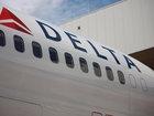 Delta plane delayed after fumes in cockpit