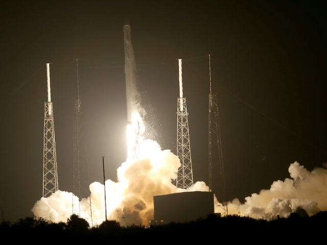 SpaceX launches rocket from NASA's moon pad