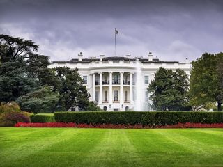 White House placed under lockdown