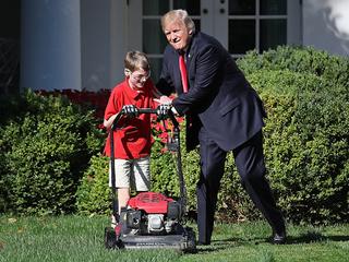 11-year-old boy cuts White House lawn