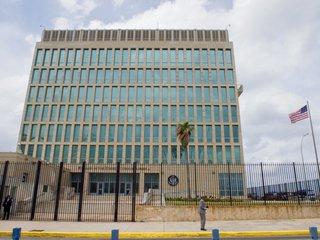 US pulls diplomats, issues Cuba travel warning