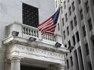 Dow closes above 26,000 for first time