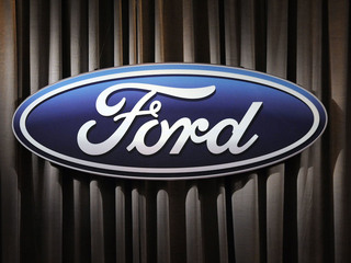 Ford recalls 350,000 F-150s and Expeditions