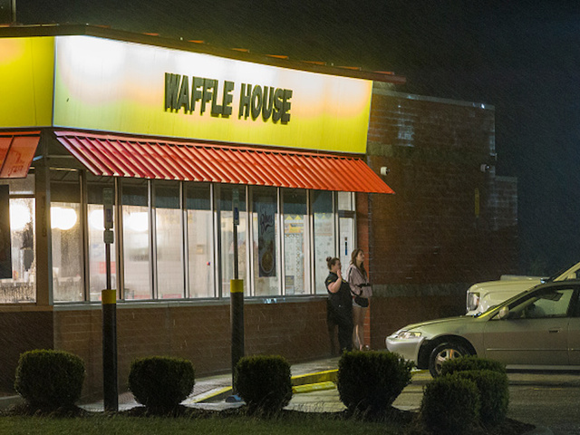 Fayetteville man, attorneys take aim at Waffle House after viral video