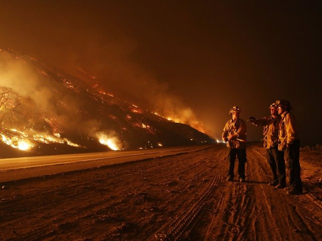 Thomas Fire now largest wildfire on record in California