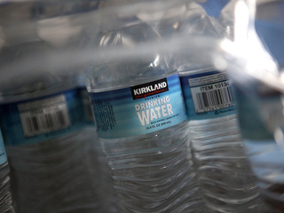 Lose 15 pounds drinking water, dietitian says
