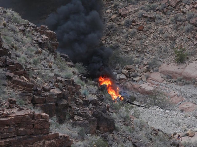 3 dead in helicopter crash at Grand Canyon