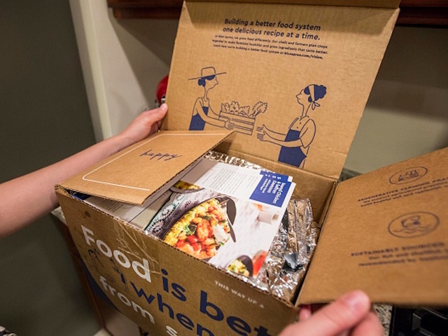 "Royal Bank of Canada Reiterates ""Hold"" Rating for Blue Apron (APRN)"
