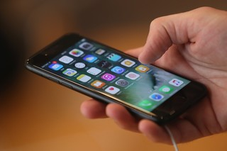 iPhones will soon share exact locations with 911