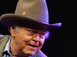 Country music star Roy Clark has died